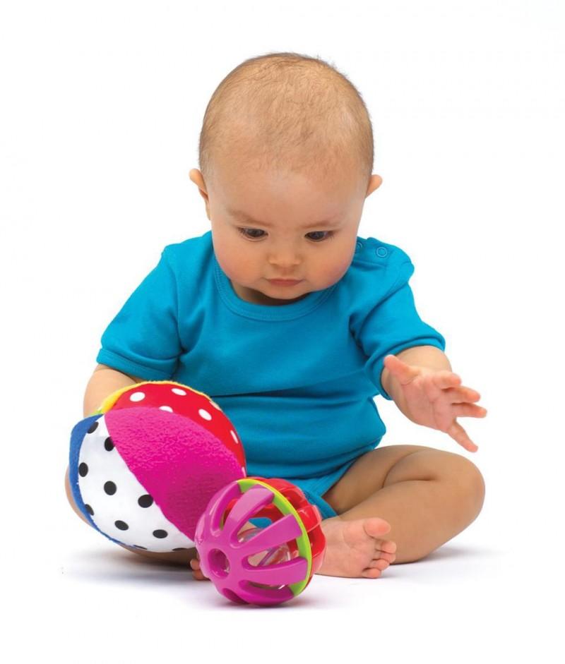 Какие игры надо покупать ребенку до года?45