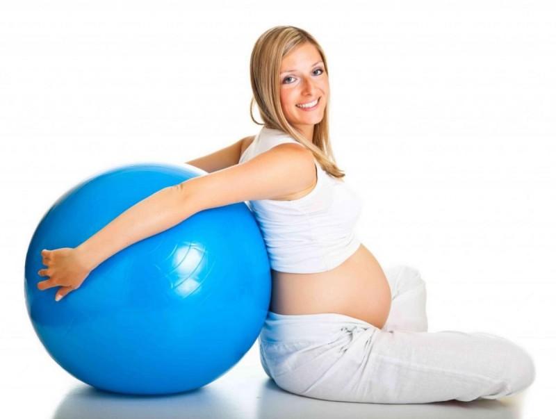 Какое нижнее белье стоит носить во время беременности?3