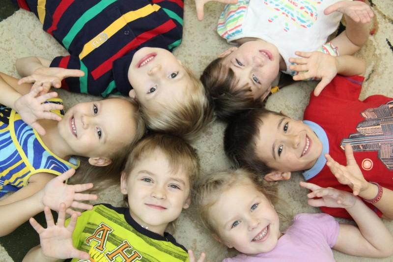 Стоит ли отдавать ребёнка а детский сад?3