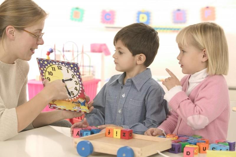 Стоит ли отдавать ребёнка а детский сад?4